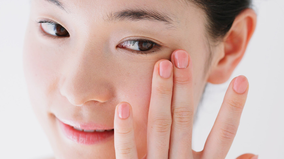 How To Use Vaseline For Puffy Eyes?