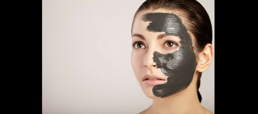 Bentonite and activated charcoal mask