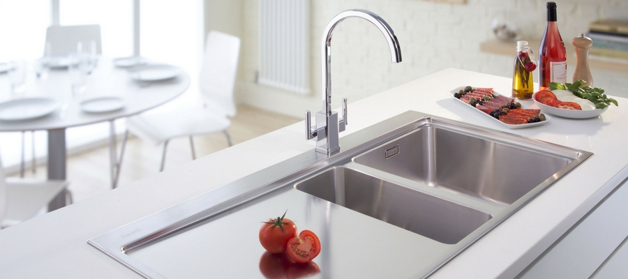 How To Clean A Smelly Sink?