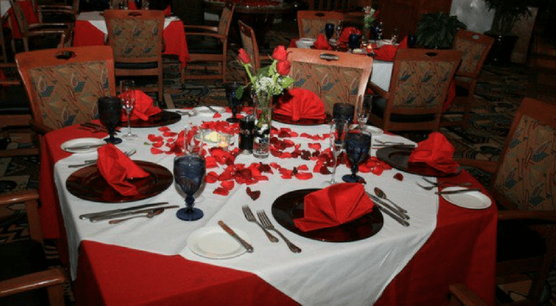 How to Decorate Your Dinner Table for Valentine's Day