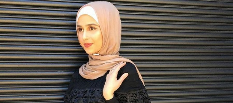 Hijab Style Off Shoulders