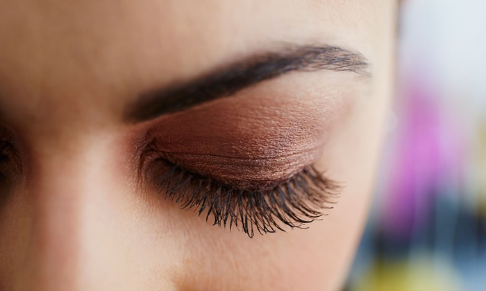 Castor Oil For Eyelashes and Eyebrows is Best Natural Remedy For their Growth