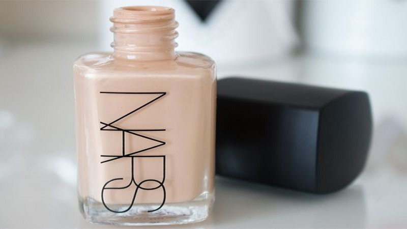 NARS Sheer Glow Best Foundation For Dry Skin