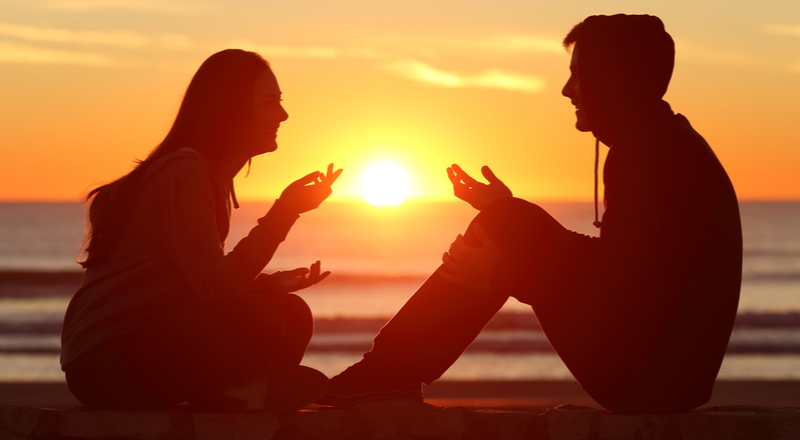How To Start A Conversation With A Girl? 10 Simple & Easy Steps
