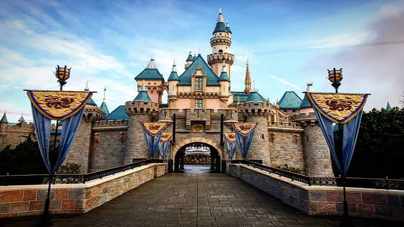 How To Become A Disney Travel Agent?